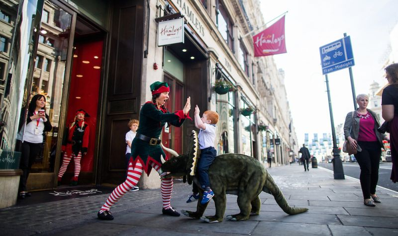 Spa Hamleys Christmas Cowie 25 06 2015 7